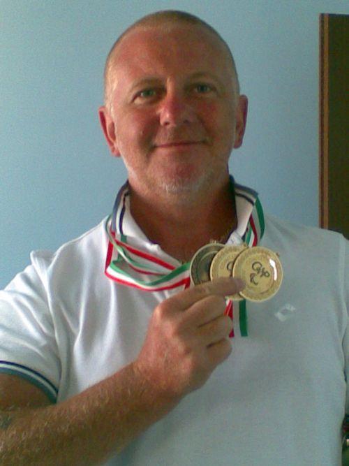 Riccardo Marchesini, gruppo azzurro della paracanoa Testimonial UNASCABILE , a Vichy in Francia quarto ai campionati del mondo di Poznan in Polonia nella categoria Va'a (la canoa polinesiana)