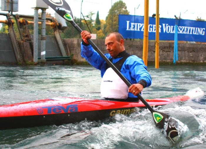 Luca Galimberti testimonial UNASCABILE Galimbe, campione piscina nel 2012 si è laureato campione italiano assoluto nei 50 sl e nei 50 sl open